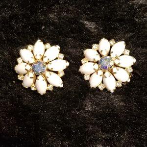 HOBE large white earrings